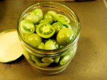 Gröna syltade tomater.
